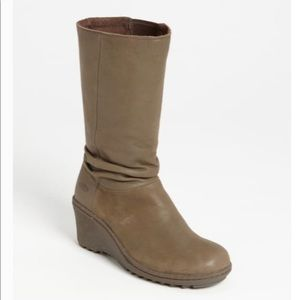 KEEN Akita Mid Tan Slate Leather Slouch Boots